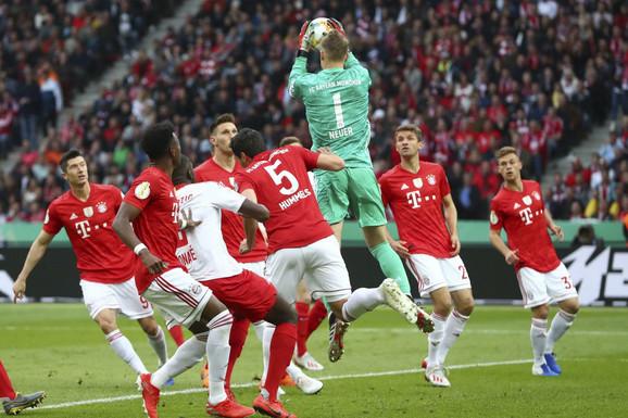 Manuel Nojer je briljirao u finalu Kupa Nemačke
