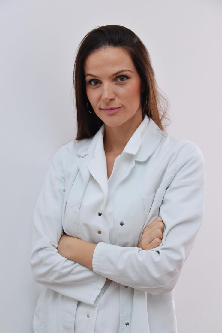 Dr Ana Jeremić