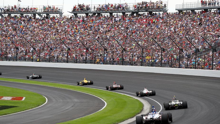 Wyścig Indianapolis przy pełnych trybunach