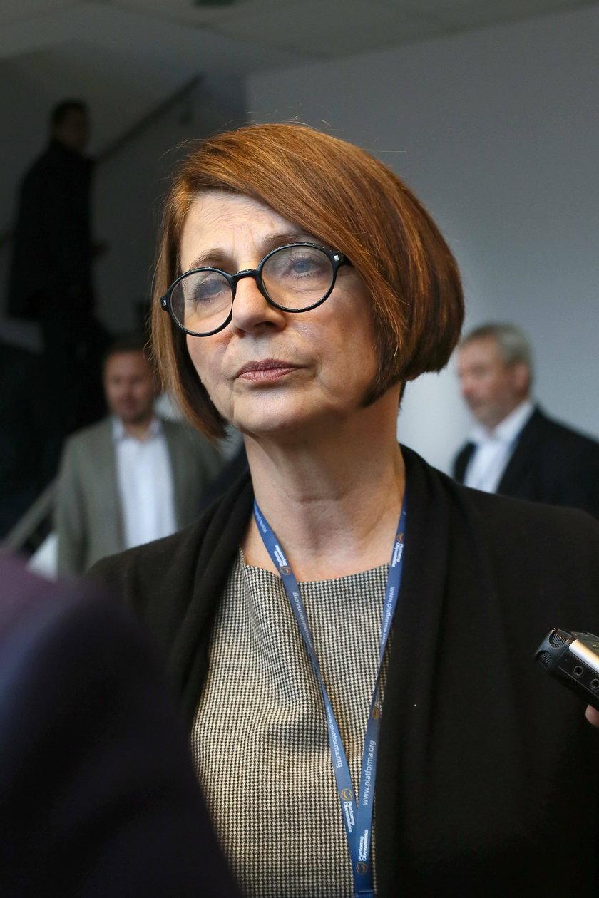 Znani politycy i artyści wspominają katastrofę smoleńską