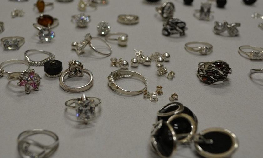 złodzieje biżuteria chodzież
