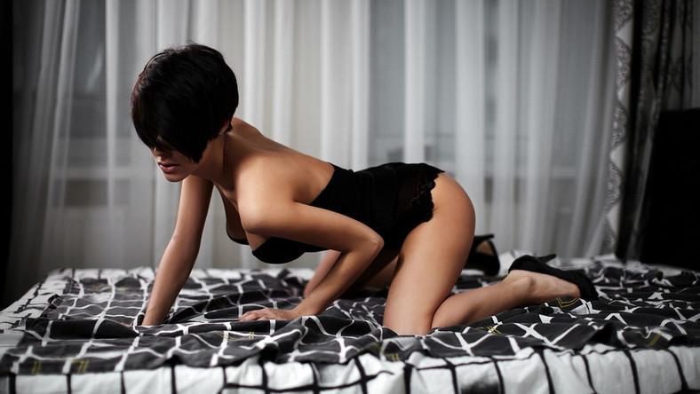 """... jest jedną z najsilniejszych potrzeb człowieka, ale uprawianie seksu służy realizacji nie tylko tego """"banalnego celu""""..."""