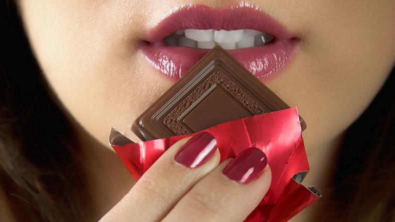 Wybierając słodycze w papierkach możemy kontrolować zjadaną ich ilość