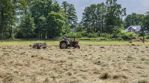 Obecnie wolne od podatku są przychody rolnika ze sprzedaży produktów wyprodukowanych we własnym gospodarstwie do wysokości 40 tys. zł