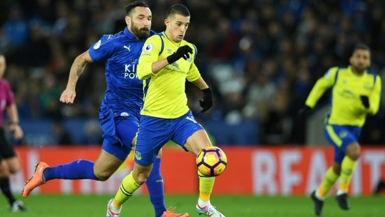 Everton striker Kevin Mirallas runs through the Leicester defence on the way to scoring the opening goal of the match between Leicester City and Everton at King Power Stadium in Leicester on December 26, 2016
