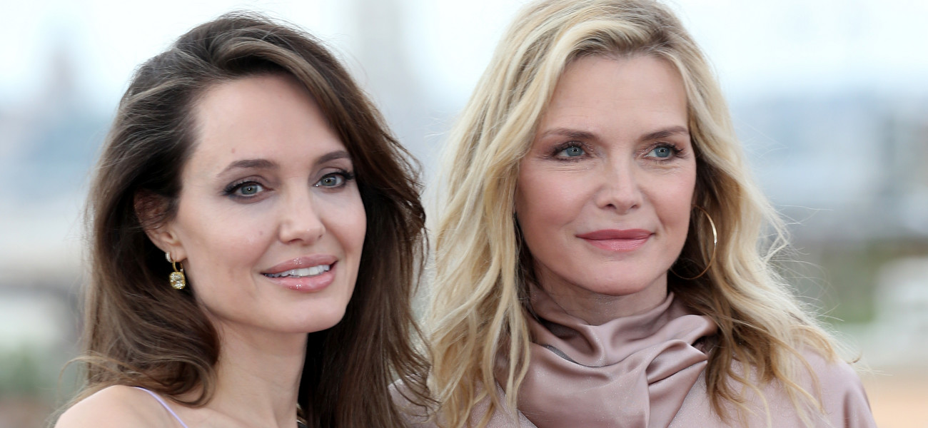 "Angelina Jolie i Michelle Pfeiffer na premierze ""Czarownicy 2"" / Franco Origlia / Getty Images"