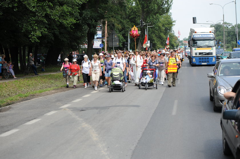 Pielgrzymi ruszają do Częstochowy