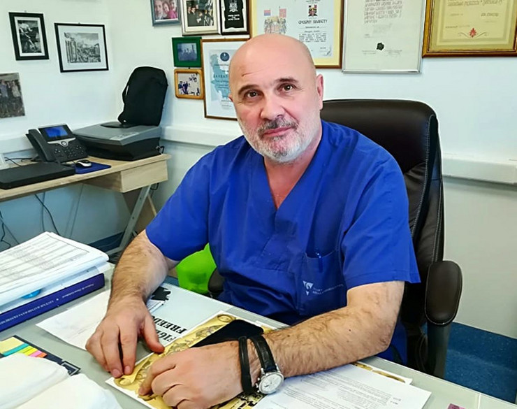 Hirurg Dr Miodrag Lazić