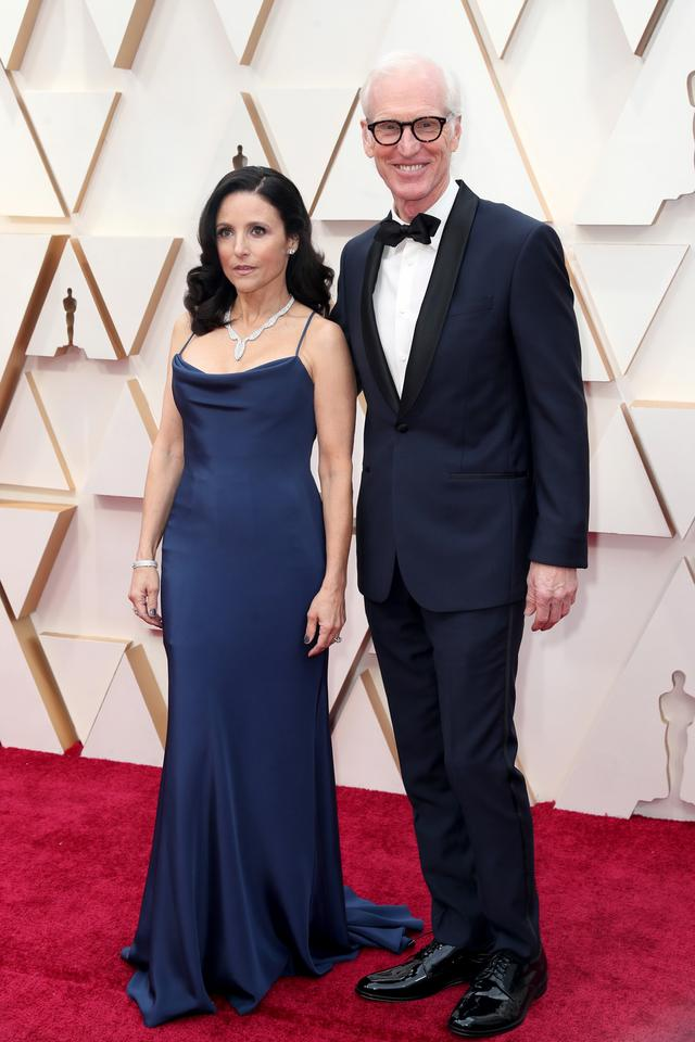 Julia Louis-Dreyfus i  Brad Hall