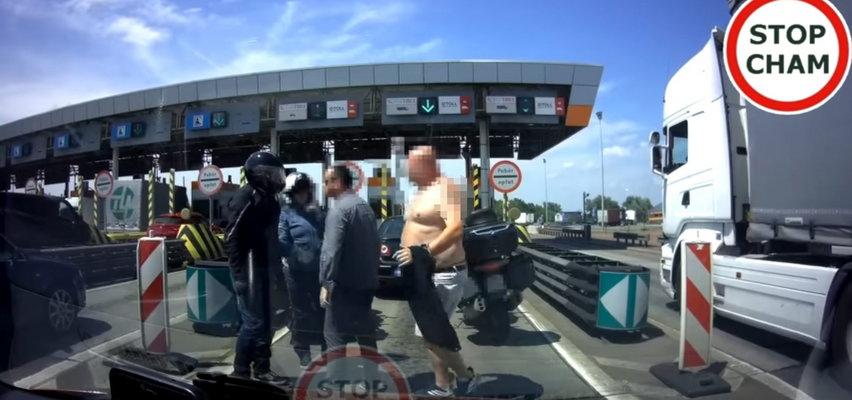 Bójka na... autostradzie pod Wrocławiem! Ten film naprawdę szokuje