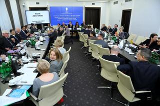 Parlamentarny zespół obrony praworządności debatował nad nowelizacją ustaw sądowych