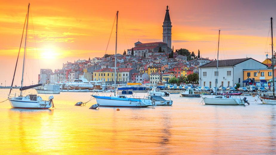Stare miasto Rovinj i słynny port rybacki - Chorwacja