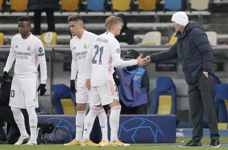 FK Šahtjor, FK Real Madrid