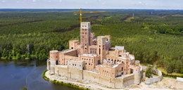 Tak powstawał zamek w Puszczy Noteckiej - zdjęcia