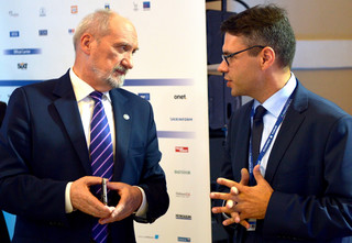 Macierewicz odwołał dowódcę Jednostki Wojskowej GROM