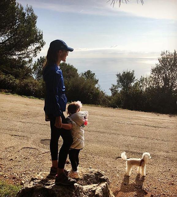 Jelena Đoković sa ćerkom Tarom