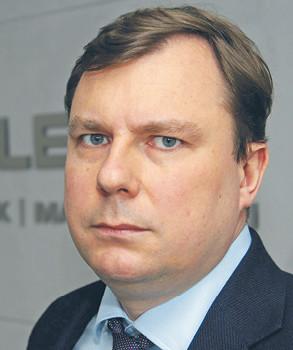 Marcin Mataczyński prof. UAM, adwokat, partner zarządzający w kancelarii SMM Legal. Przewodniczący rady nadzorczej Orlenu w latach 2006 i 2008–2013. Na zlecenie Orlenu przygotował plan przejęcia kontroli nad Lotosem
