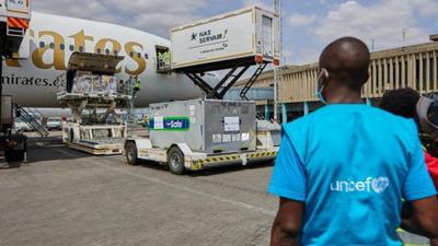 Coronavirus - Kenya: Another 410,000 COVID-19 vaccine doses arrive in Kenya, donated by the UK