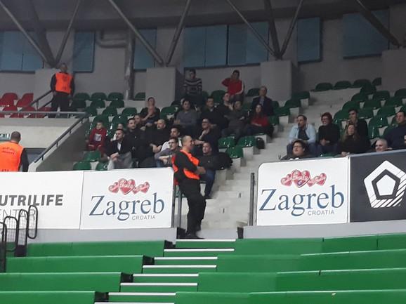 Crno-bele u Zagrebu bodri 50-ak pristalica