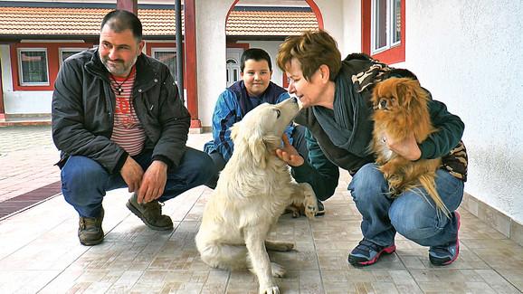 U poslednjih mesec dana na deponijama su našli osam štenaca
