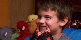 6-latek prosi o uśmiech, bo jego rodzice nie żyją