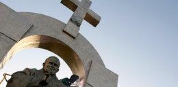 Spór o pomnik Jana Pawła II zażegnany? Odstąpią go... za 20 tysięcy euro