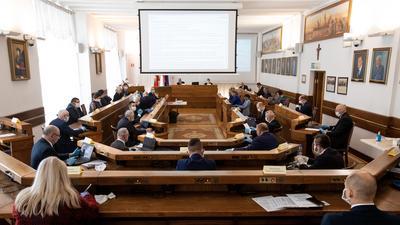 Dziwne głosowanie radnych w Lublinie. Chodzi o obecność Ziemi w Układzie Słonecznym