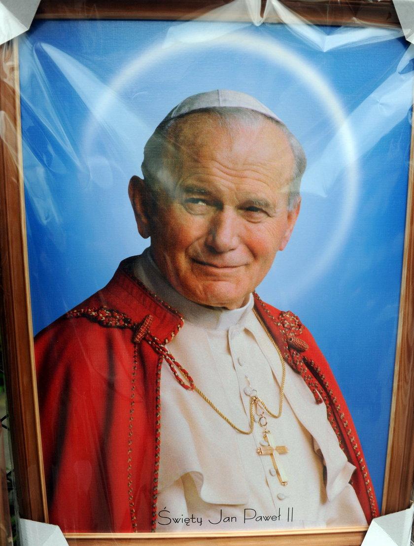 Odkryto tajny kod papieża