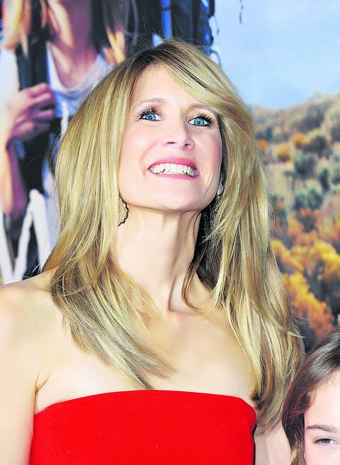 Lora Dern šokira koliko dobro izgleda u šestoj deceniji