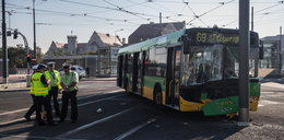 Wypadek autobusu na Rondzie Kaponiera. Są ranni