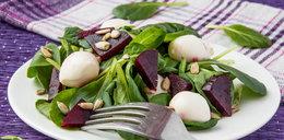 Zamień niezdrowe przekąski na warzywa i owoce
