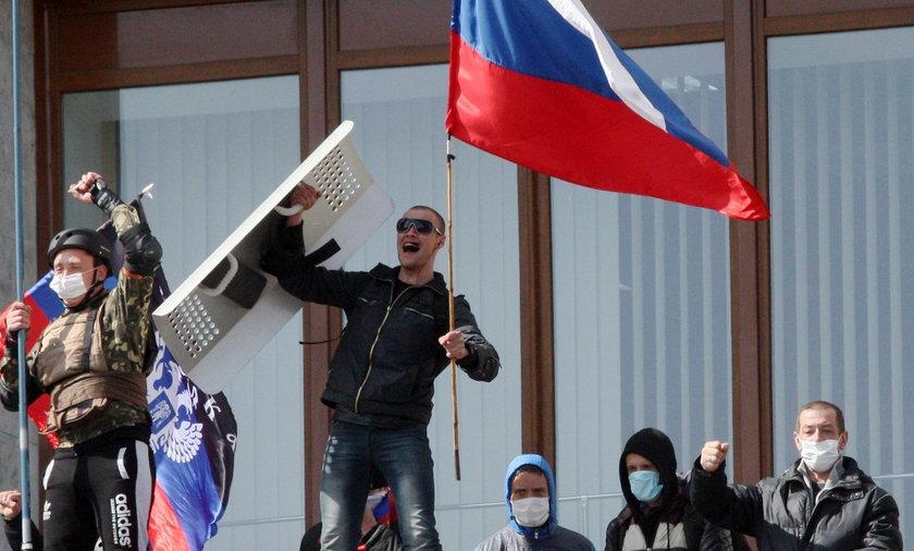 Putin! Pomóż! Teraz Donieck chce do Rosji.
