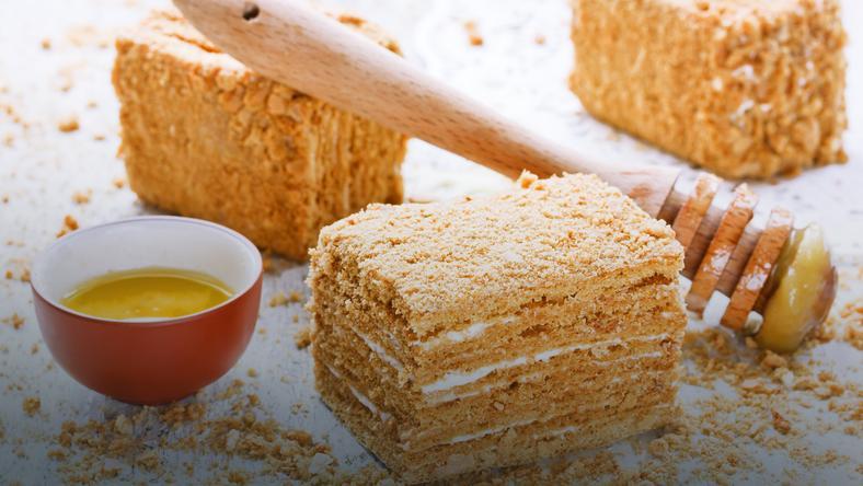 Ciasto Miodownik Orzechowiec Przepis Onet Gotowanie