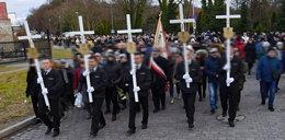 Poruszający moment podczas pogrzebu 15-latek. Zebranym pociekły łzy
