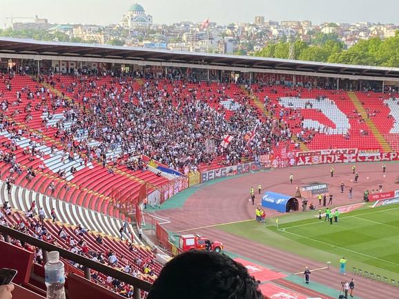 Delije pred početak utakmice Zvezda - Radnik