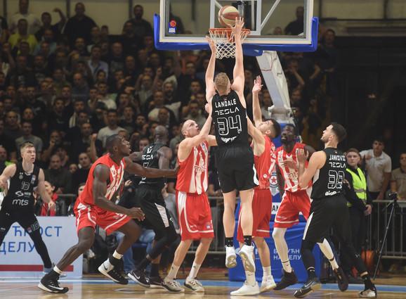 Poeni Džoka Lendejla pored košarkaša Zvezde
