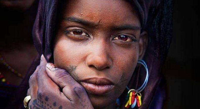 A young Fulani girl with Henna [pinterest]