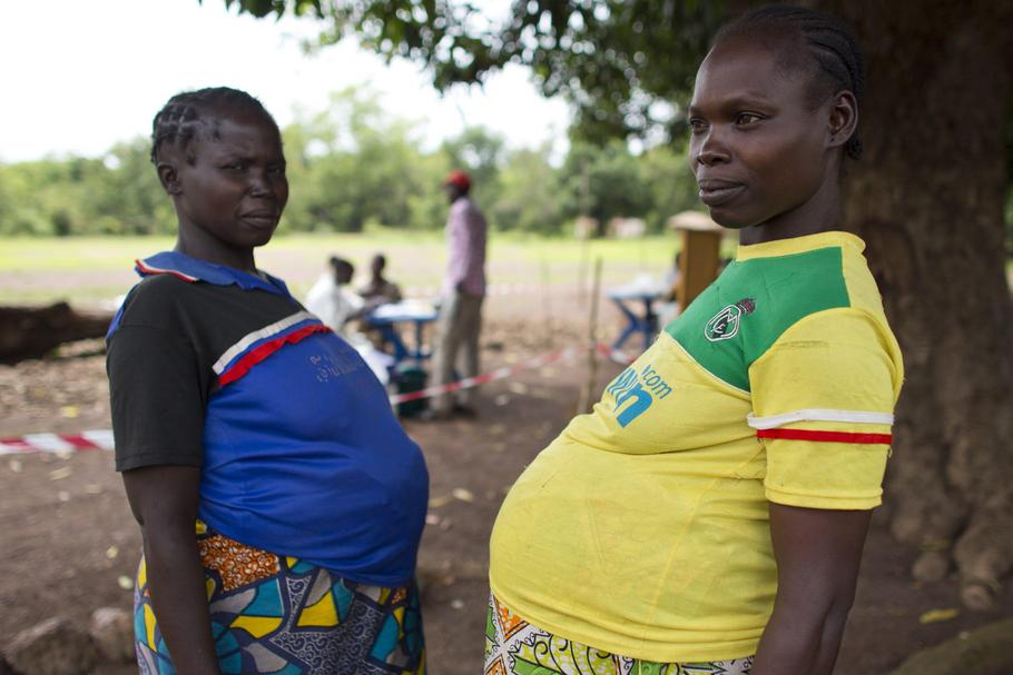 pregnant women at MSF mobile clinic in CAR