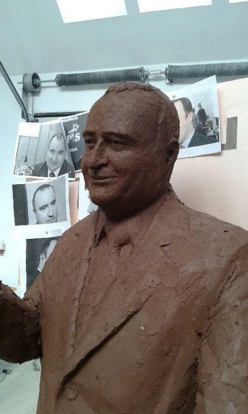 Tu stanie pomnik Gosiewskiego