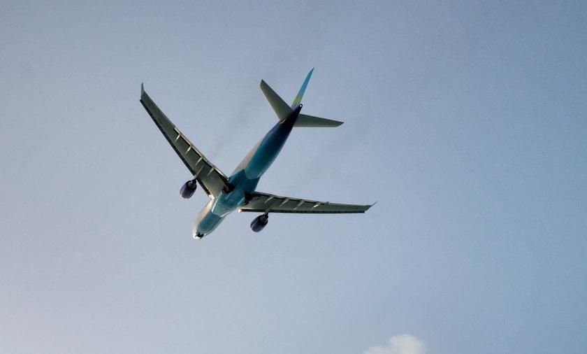 Towarowy boeing 737 spadł do wody na Hawajach.