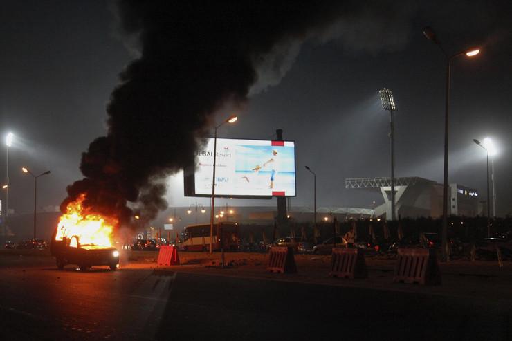 571092_egipat-utakmica-nasilje-ubijeni-navijaci-ap
