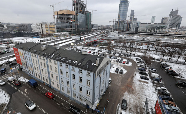 Tzw wuzetki, czyli decyzje o warunkach zabudowy wydawane są przez wójta (burmistrza, prezydenta miasta), w sytuacji gdy nie ma planu zagospodarowania przestrzennego.