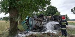 Makabryczny wypadek. Czołowe zderzenie osobówki z ciężarówką