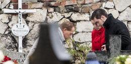 Bartek odwiedził Madzię na cmentarzu