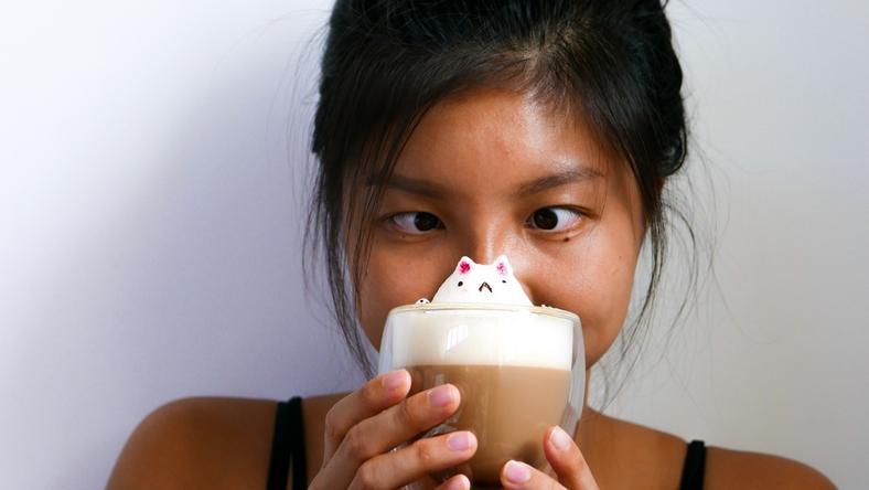 17-latka z Singapuru tworzy wyjątkowe napoje z elementami 3D