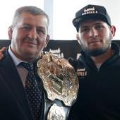 NURMAGOMEDOV PREMINUO OD KORONE! Ogromna tuga u Rusiji: Otac i trener UFC šampiona Abdulmanap (57) nakon mnogih KOMPLIKACIJA izgubio borbu u moskovskoj bolnici