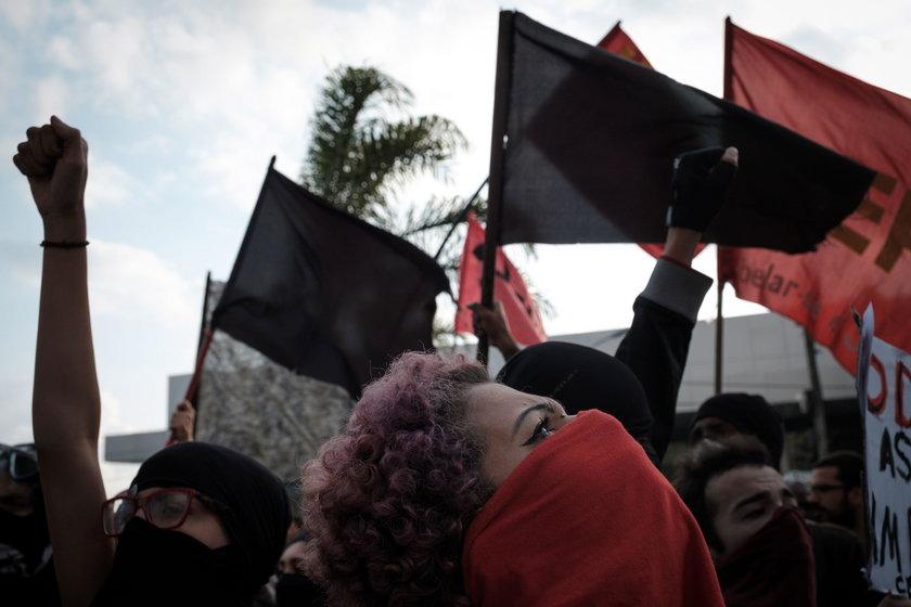 Gaz i granaty, czyli zamieszki w Rio