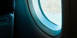 Wyjrzał przez okno samolotu. Zobaczył coś przerażającego