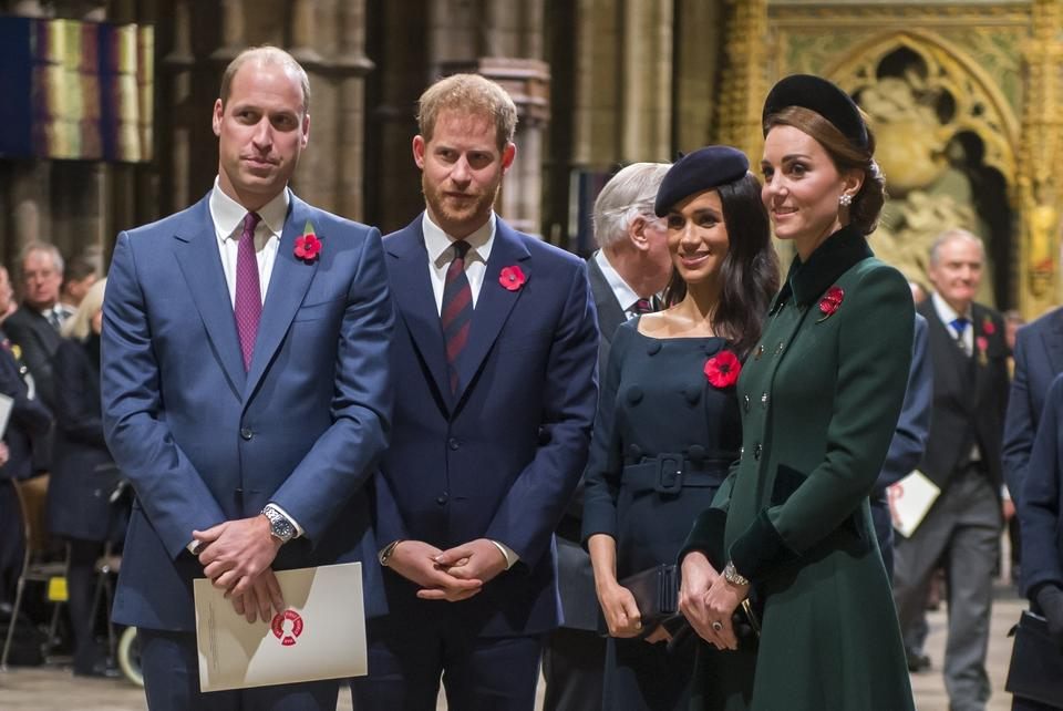 Książęta William i Harry z żonami Meghan i Catherine