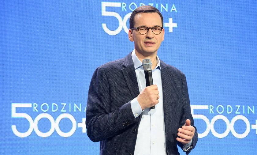 Na zdjęciu premier Mateusz Morawiecki na konferencji poświęconej programowi Rodzina 500+.